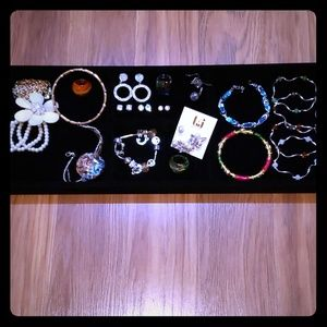 """20"" PRETTY JEWELRY ITEMS"